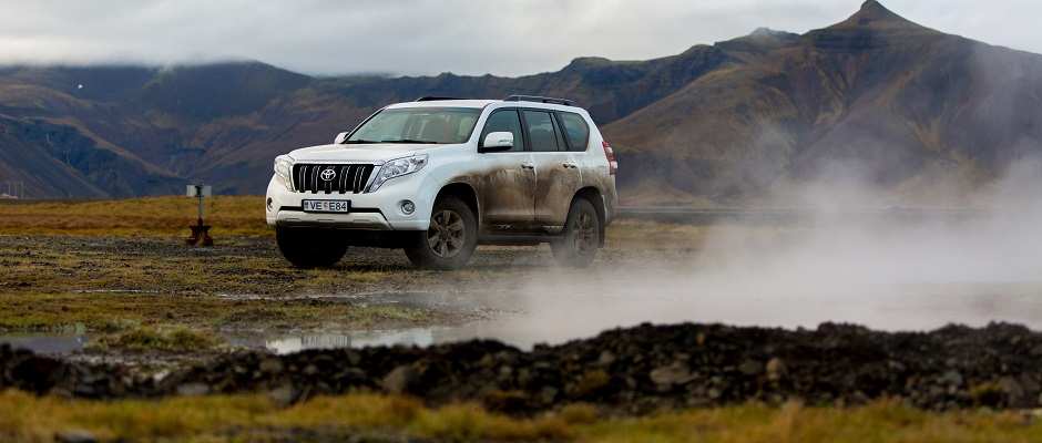Driving In Iceland – Your Ultimate Guide to Renting a Car